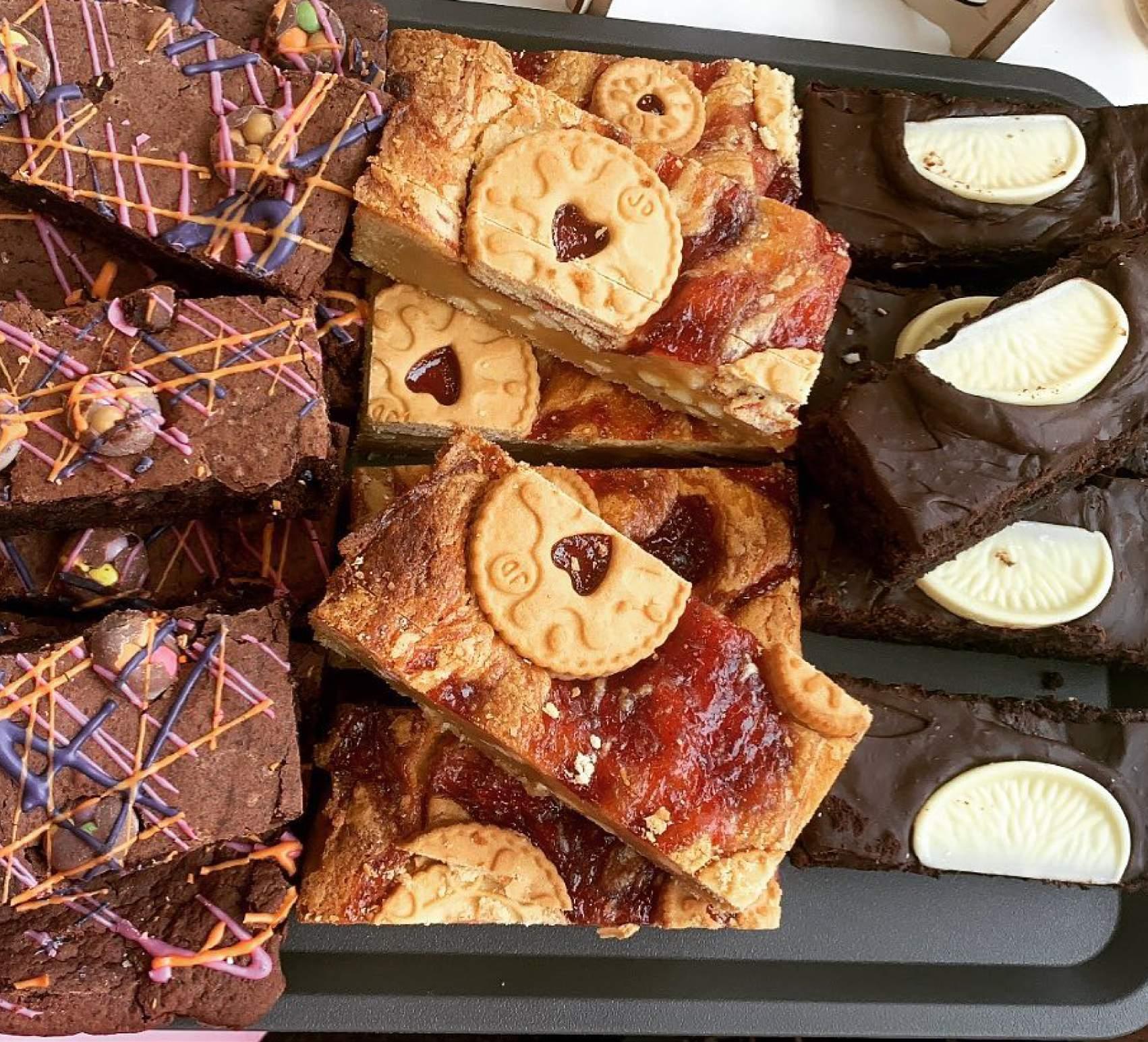 Cuppa-Cake-Brownies-&-Blondies