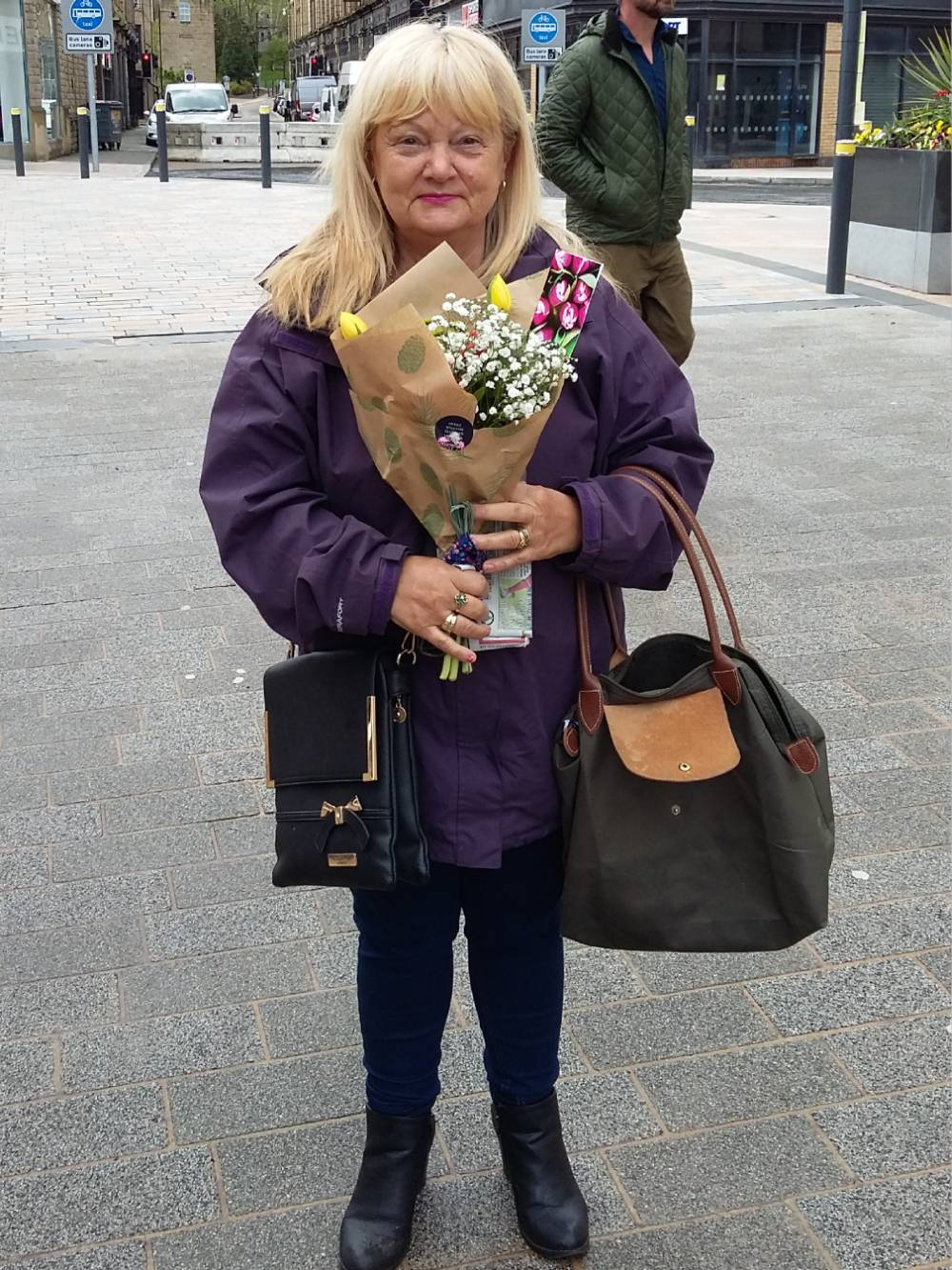 Flowers-were-handed-out-as-part-of-the-campaign
